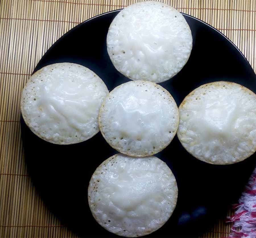 Chitoi pitha is a type of cake are available in Bangladesh street shop.